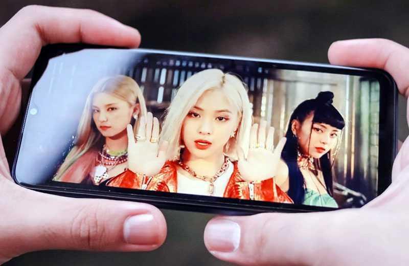 Realme C15 дисплей