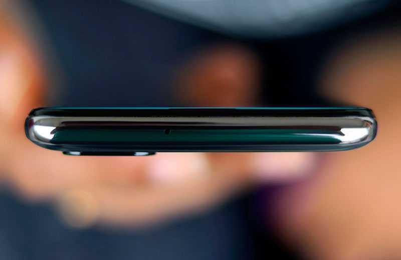 Samsung Galaxy M31s сверху