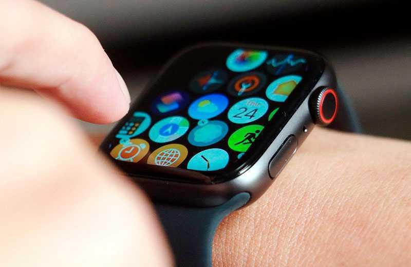 Apple Watch SE управление