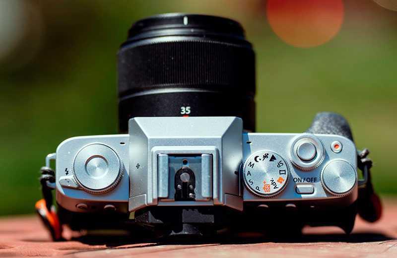 Fujifilm X-T200 сверху