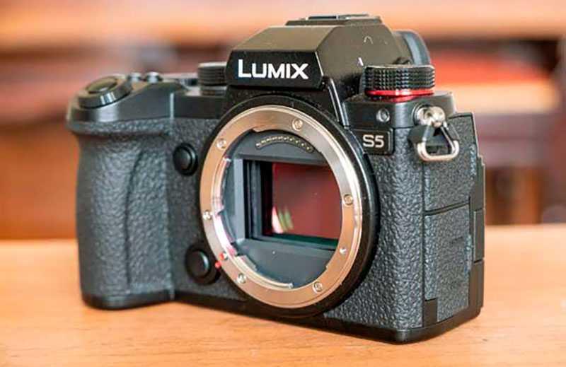 Panasonic Lumix S5 обзор