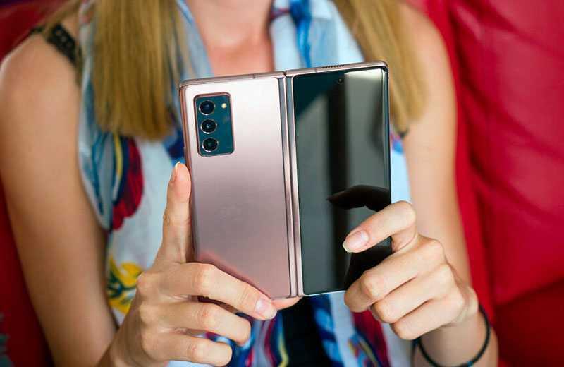 Смартфон Samsung Galaxy Z Fold 2