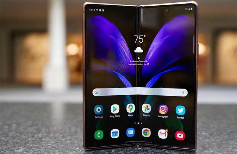 Samsung Galaxy Z Fold 2 дисплей