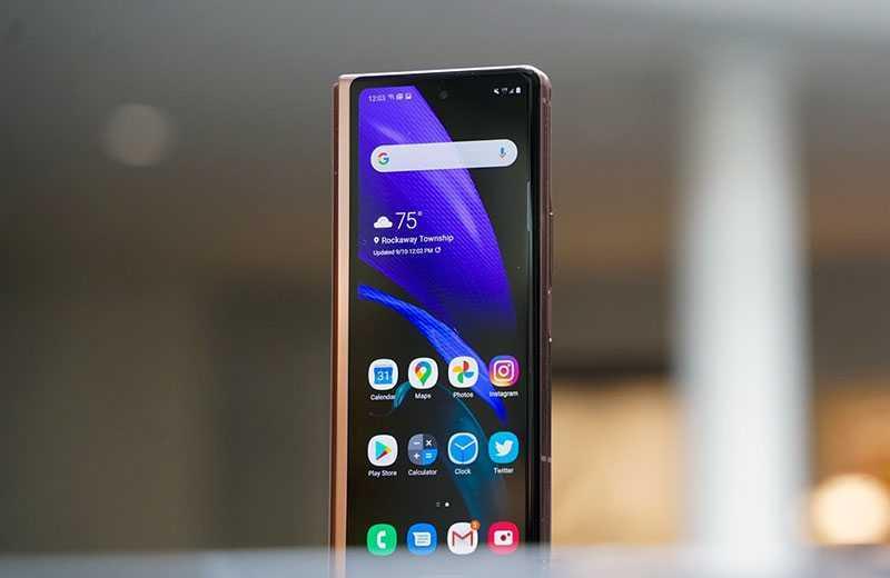 Samsung Galaxy Z Fold 2 внешний экран