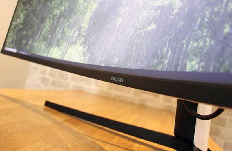 Samsung Odyssey G9 экран