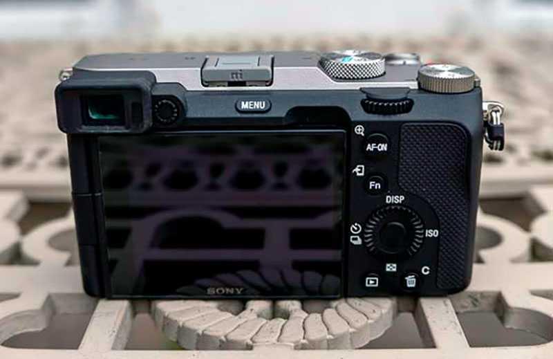 Sony a7C сенсорный экран