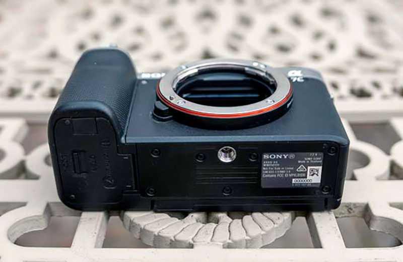 Sony a7C крепление под штатив
