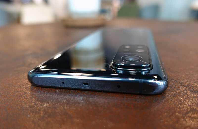 Xiaomi Mi 10T Pro сверху