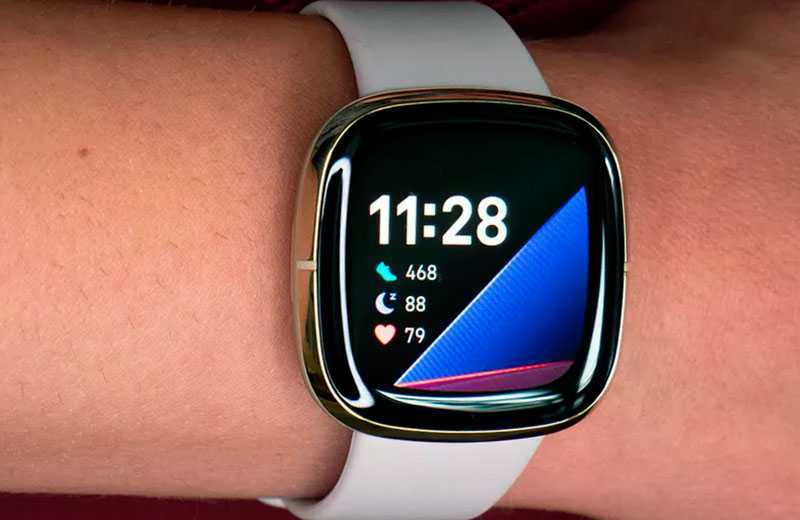 Fitbit Sense обзор