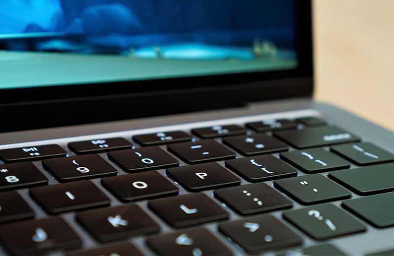 Apple MacBook Air M1 клавиши