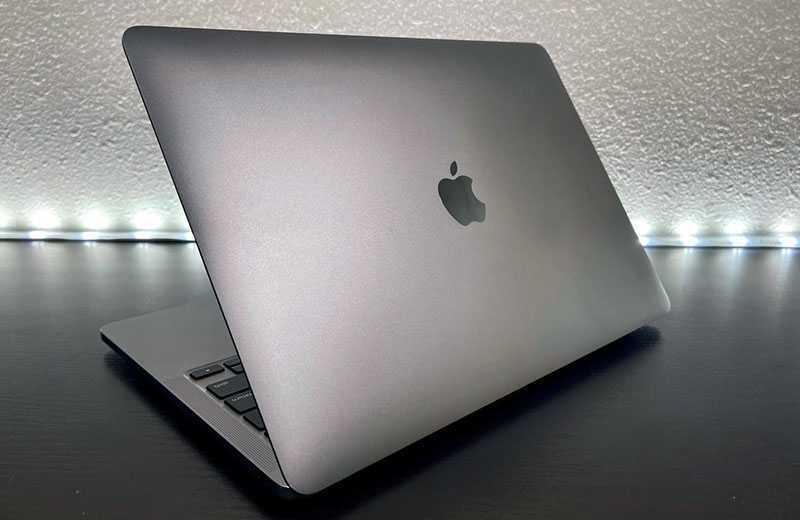 Apple MacBook Pro M1 (2020) особенности и различия