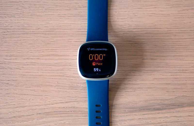 Fitbit Versa 3 дисплей