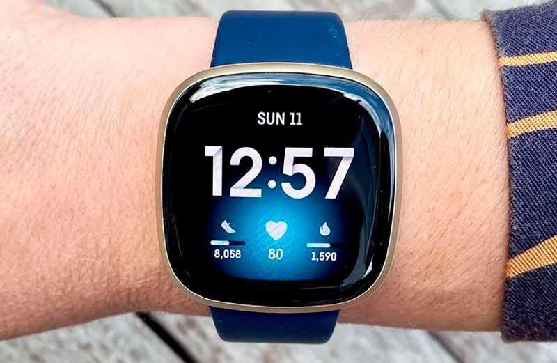 Fitbit Versa 3 экран