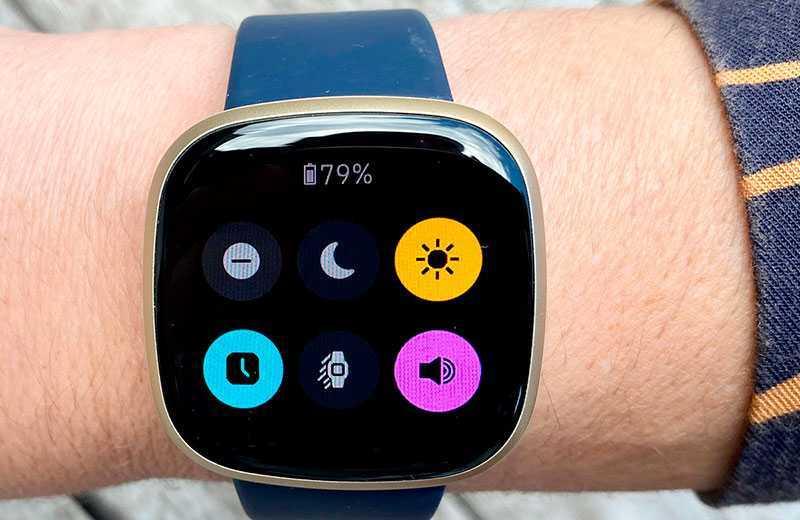 Fitbit Versa 3 система