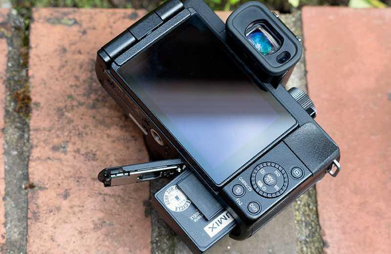 Panasonic Lumix G100 дизайн