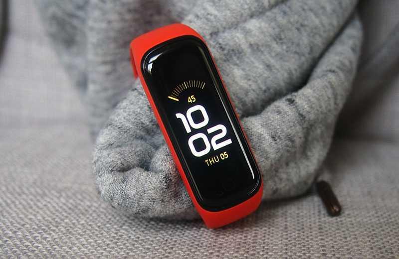 Samsung Galaxy Fit 2 экран