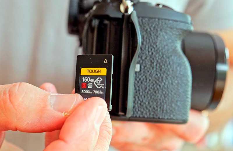 Sony A7S III карта-памяти