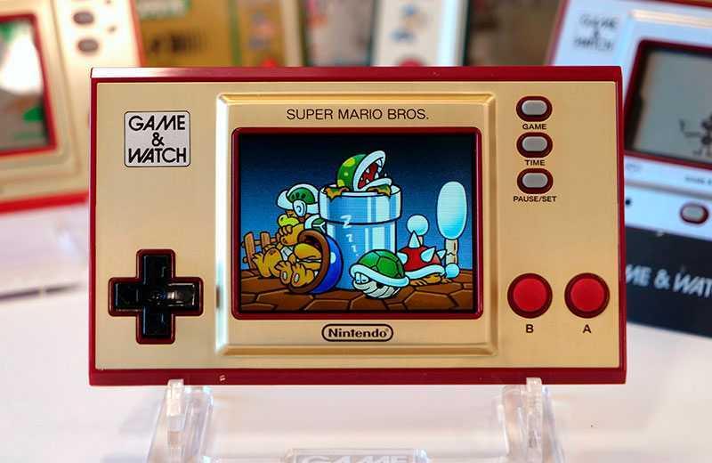 Дизайн Nintendo Game & Watch: Super Mario Bros