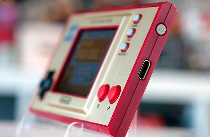 Nintendo Game & Watch: Super Mario Bros разъём