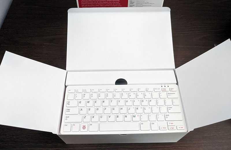 Raspberry Pi 400 из коробки