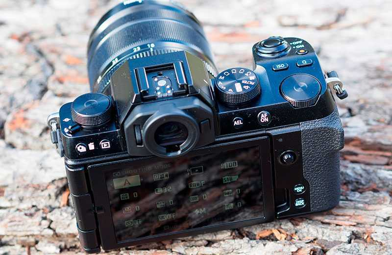 Дизайн Fujifilm X-S10