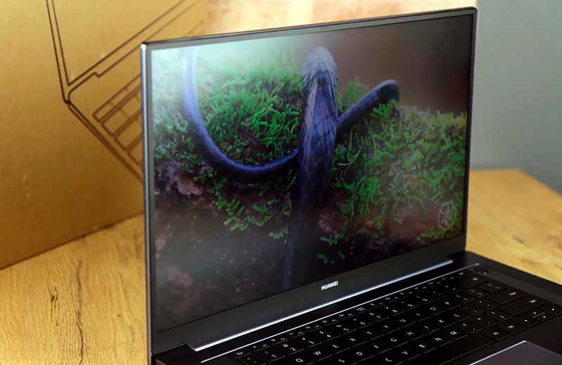 Huawei MateBook D16 дисплей