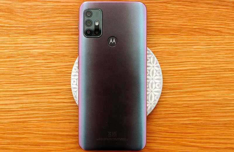 Дизайн Motorola Moto G30