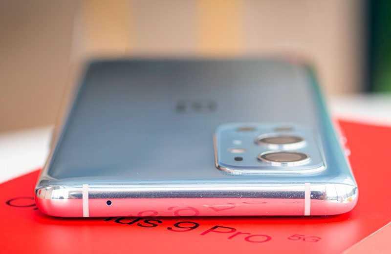 OnePlus 9 Pro сверху