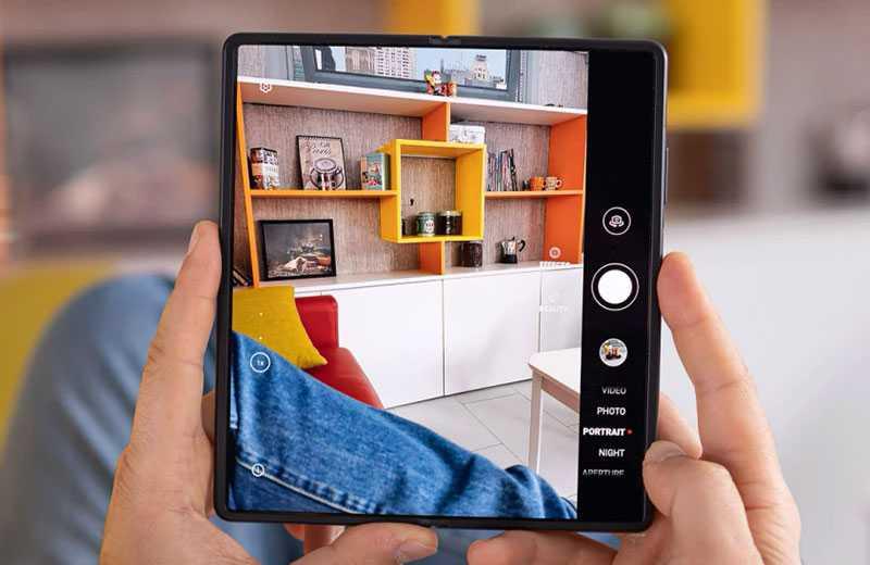 Съёмка Huawei Mate X2