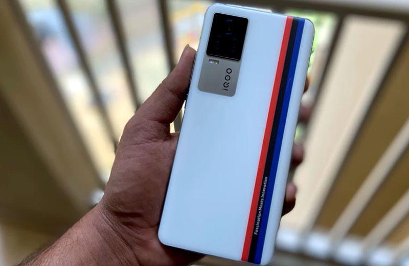 Телефон iQOO 7 5G
