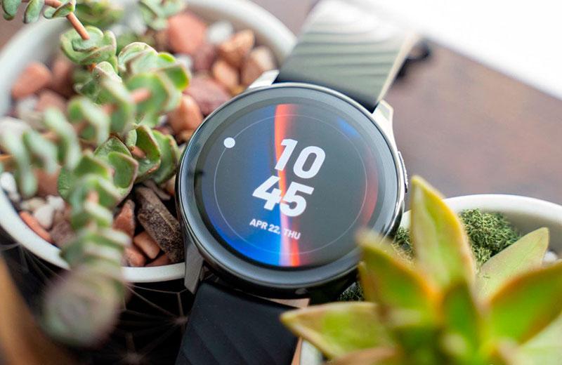 OnePlus Watch дисплей
