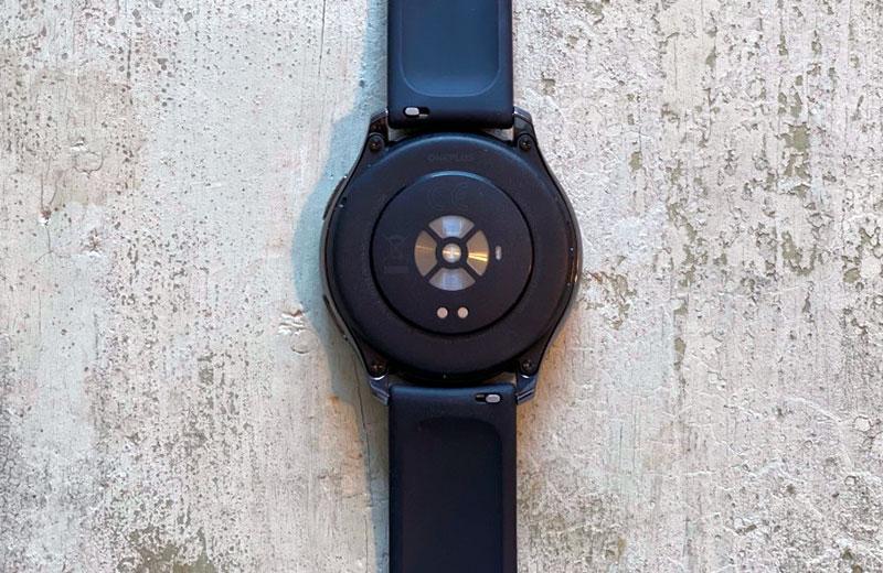 OnePlus Watch сзади