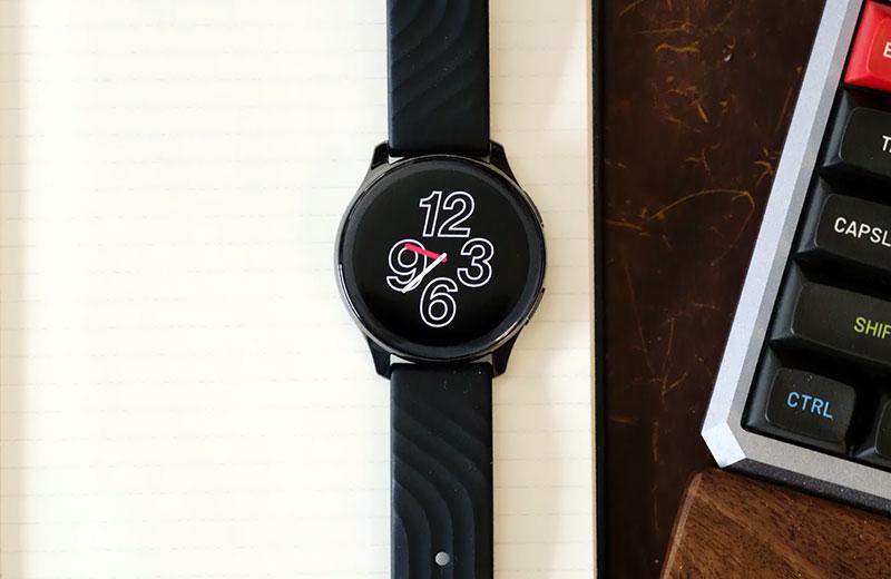 OnePlus Watch отображение