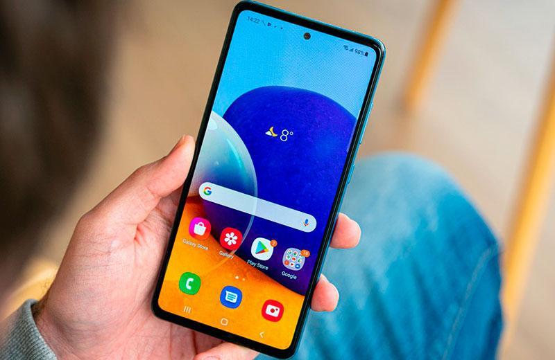 Samsung Galaxy A72 дисплей