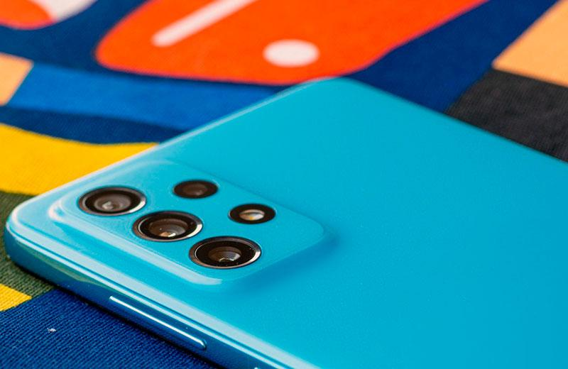 Смартфон Samsung Galaxy A72