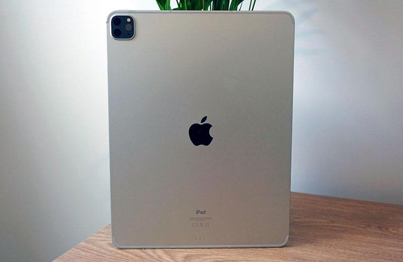 Apple iPad Pro 12,9 2021 сзади