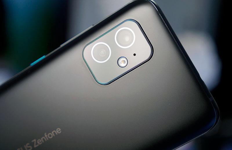 Камеры Zenfone 8