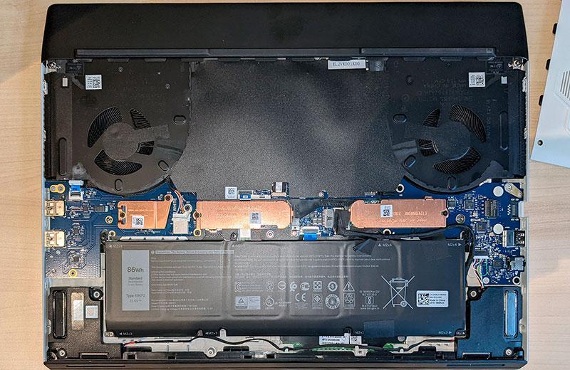 Alienware m17 R4 система охлаждения