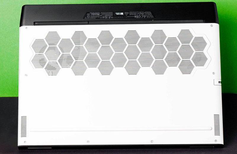 Автономность Alienware m17 R4