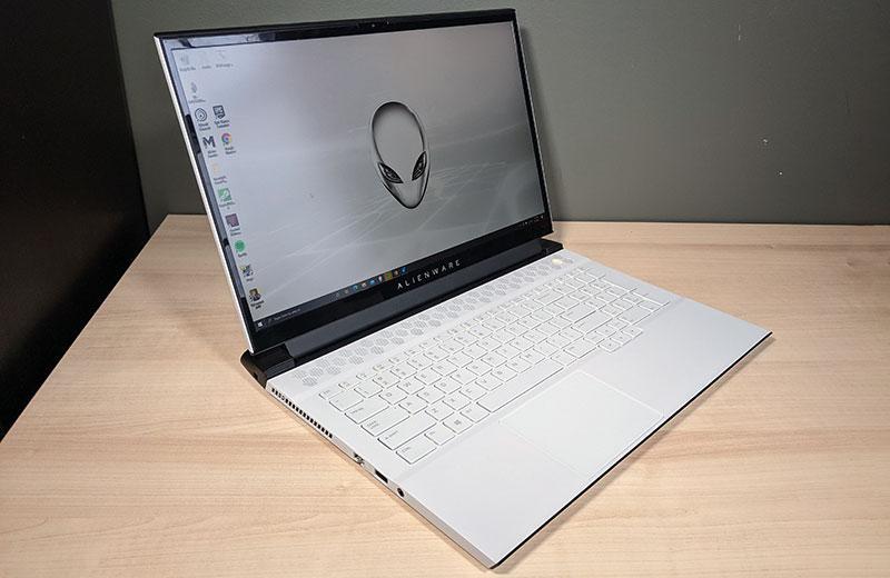 Ноутбук Alienware m17 R4