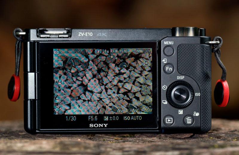 Sony ZV-E10 преимущества