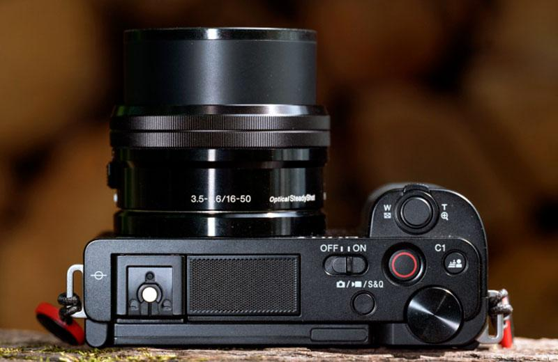 Sony ZV-E10 удобство управления