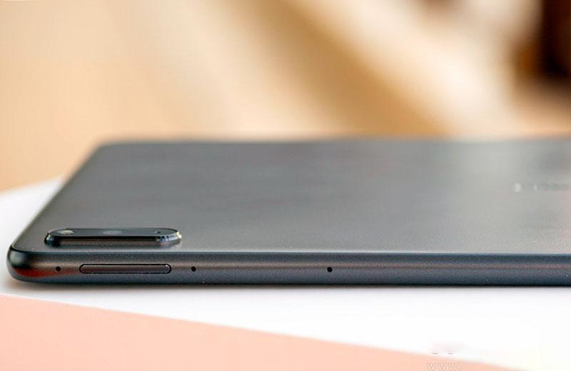 Дизайн Huawei MatePad 11