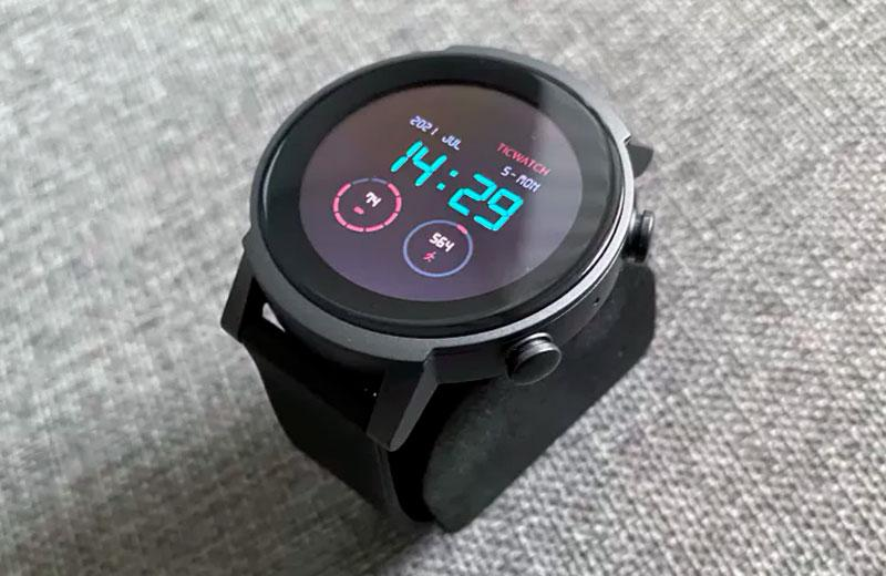 TicWatch E3 умные часы