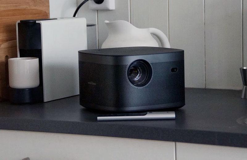 Обзор XGIMI Horizon Pro 4K проектора для домашнего кинотеатра — Отзывы TehnObzor