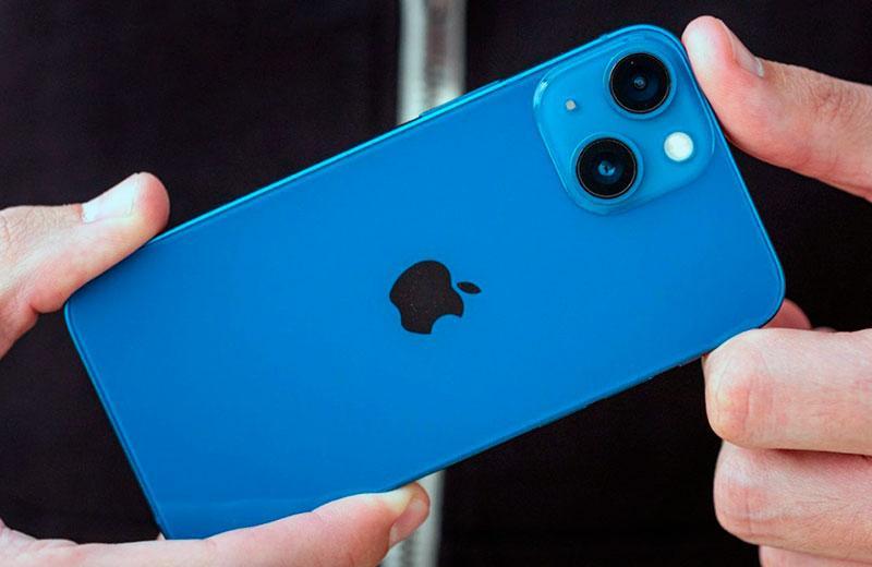 Apple iPhone 13 mini обзор