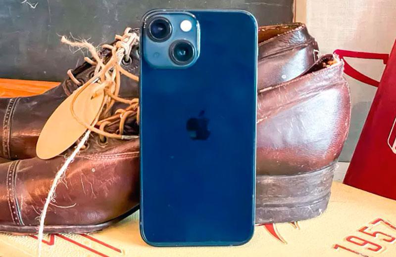 Дизайн Apple iPhone 13 mini