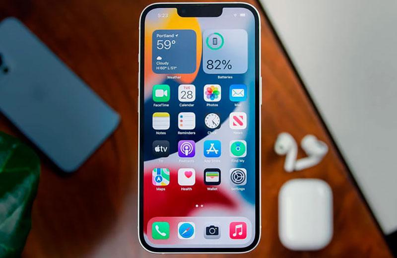 Обзор Apple iPhone 13