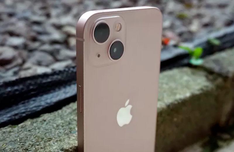 Apple iPhone 13 внешний вид
