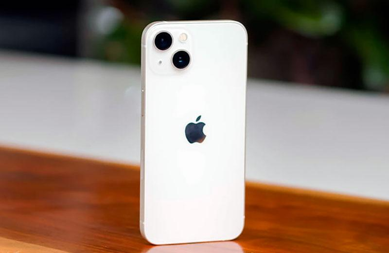 Apple iPhone 13